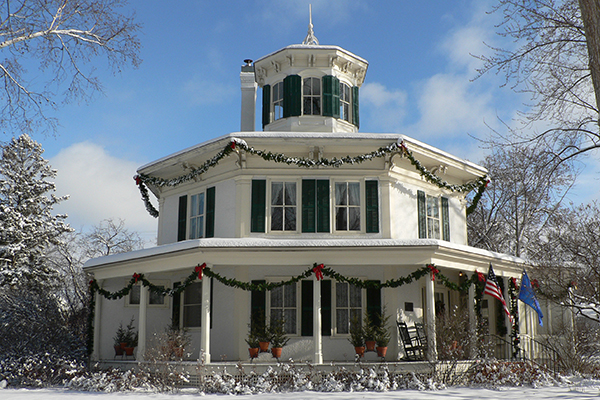 Octagon House Christmas