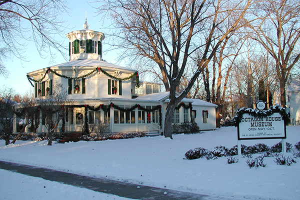 Octagon House Museum Christmas