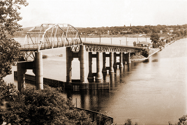 Hudson Toll Bridge